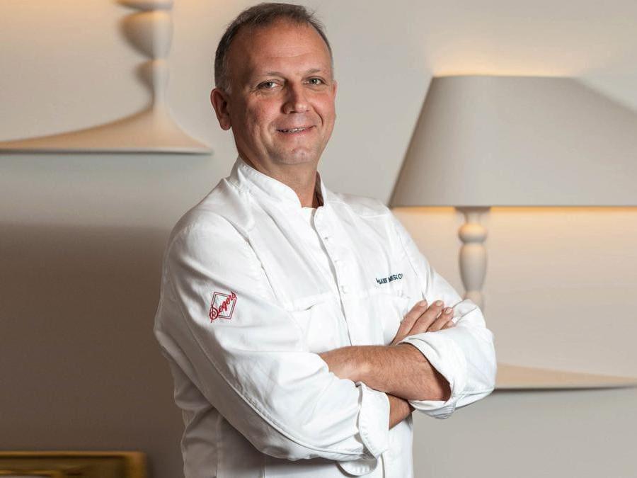 Lo chef Alexander Mishakov. (metropol-moscow.ru via AP)