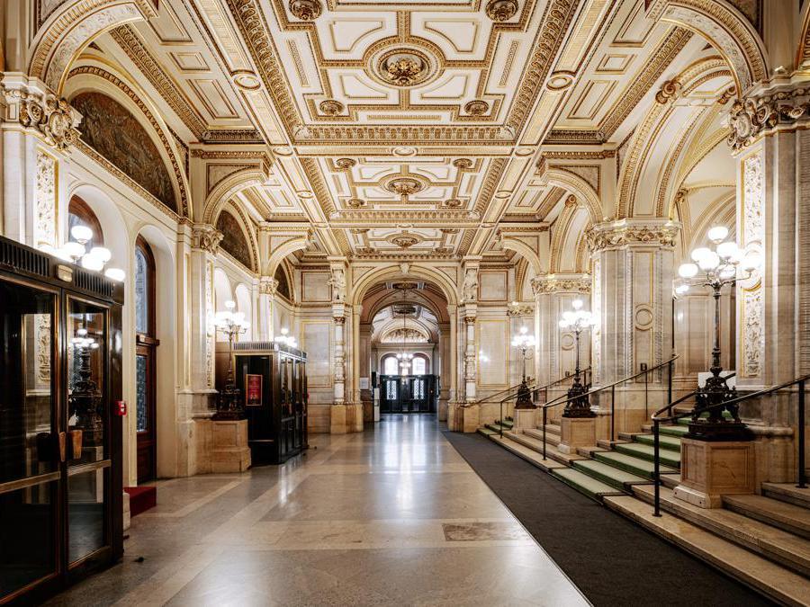 Foyer all'Opera di Stato (Ente per il Turismo di Vienna, Paul Bauer)