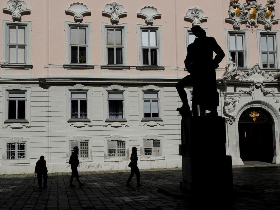 La statua di Gotthold Ephraim Lessing nel centro della capitale austriaca. REUTERS/Leonhard Foeger